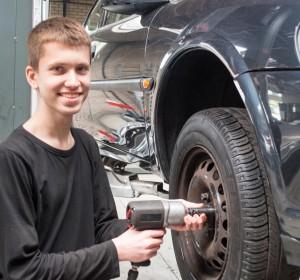 Kader de Vries - Autobedrijf van As